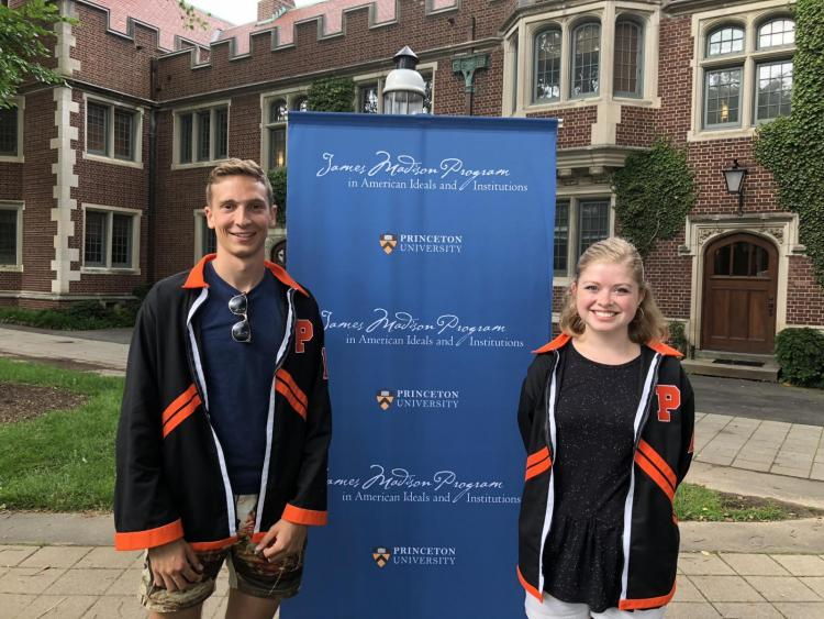 Mikhael Smits '18 and Elly Brown '18